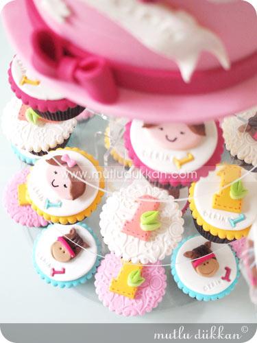 Doğum Günü Cupcake ve Pasta Kulesi